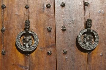 Forja Cal Biel - Picaportes d'anella de la capella del Germans.