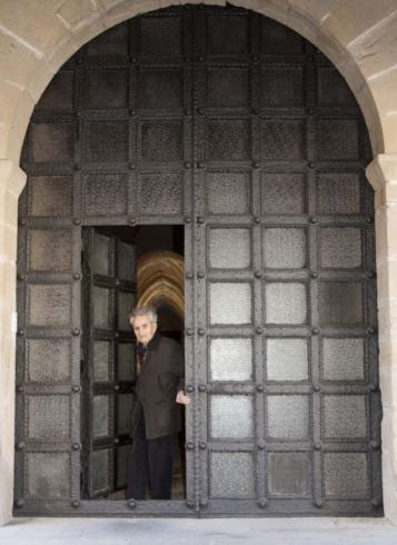 Forja Cal Biel - Una de les portes del claustre. Amb el Ramon Martí.