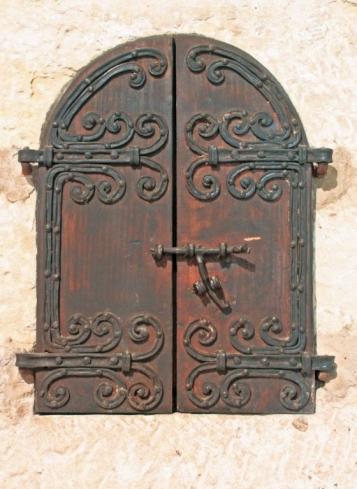Forja Cal Biel - Detall porta interior de l'armari del Sans Olis de la capella de